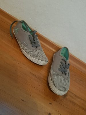 Sneaker der Marke Kappa