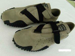 Sneaker für Damen oder auch Herren der Marke Puma.
