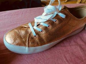 Sneaker Gold Schimmer