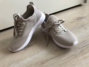Sneaker Gr. 36 beige