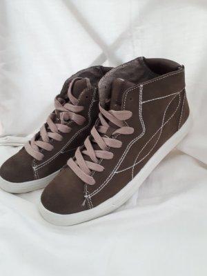Akira Sneakers met veters donkerbruin Suede