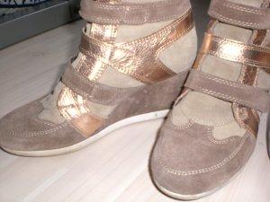 Sneaker Gr. 39 mit Plateauabsatz