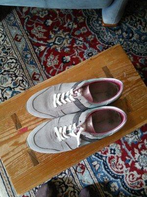 Sneaker Gr. 41 in grau /grün Tönen