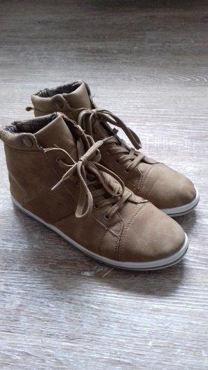 Sneaker Größe 38