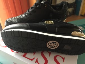 Guess Sneaker nero Finta pelle