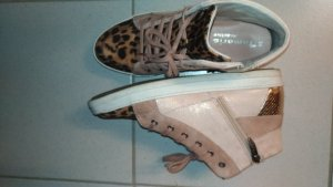 Sneaker, high