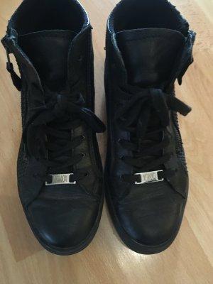 Sneaker high in schwarz