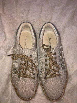 Sneaker in Espadrille Style