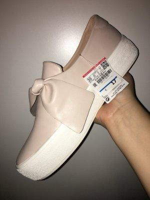Sneaker in Größe 39