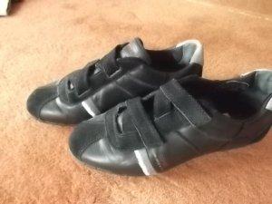 Sneaker in Schwarz gr.37