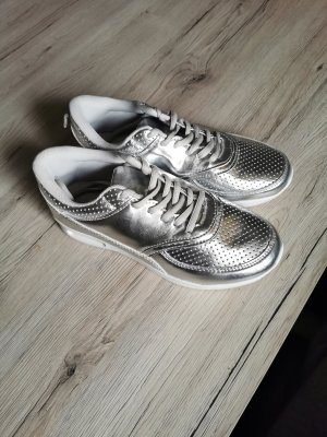 Lace-Up Sneaker silver-colored