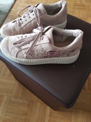 Graceland Lace-Up Sneaker dusky pink