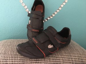 Sneaker Lacoste schwarz rot Gr 40,5 top Zustand wie neu