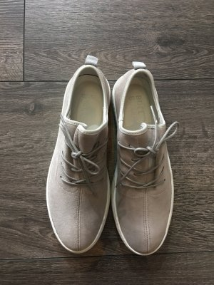 Bullboxer Chaussures à lacets gris clair
