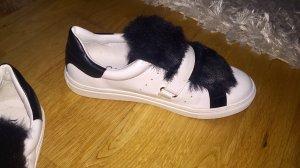 Sneaker Mia & Jo weiß mit schwarzem Fell!