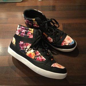 Sneaker mit Blumenmuster Blumensneaker