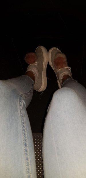 Sneaker mit Bommel / Bommel-Sneaker