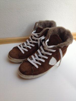 Sneaker mit Fellchen used look