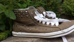 Sneaker, mit Nieten, Graceland, gefüttert