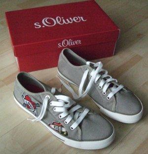 Sneaker mit Patches  von s.Oliver - Gr. 40