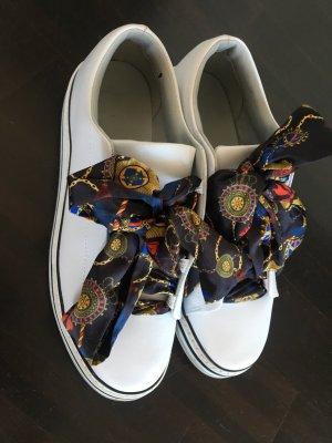 Sneaker mit Tuchschnürung ZARA