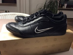 Nike Basket à lacet noir-argenté