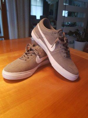 Sneaker Nike hellgrau