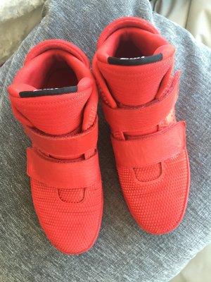 Sneaker NIKE / knallig ROT