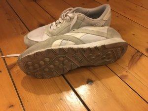 Sneaker Reebok Weiss mit wilder Leder applications 38,5