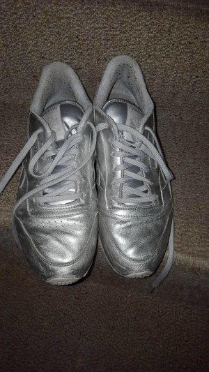 Sneaker, Reebook, silberne Reebookschuhe