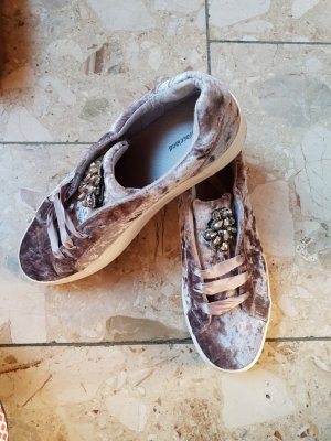 Sneaker/ Schuhe/ Schnürschuhe mit Brosche/ Graue Schnürer