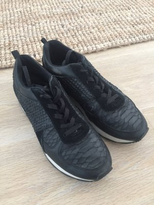 Sneaker schwarz Schlangenleder Optik