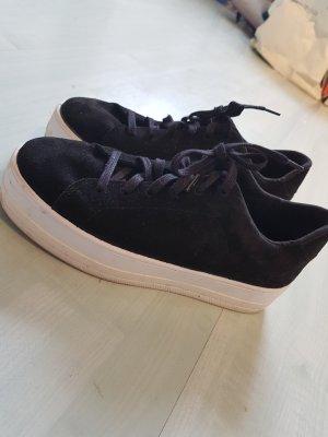 Sneaker Schwarz Weiß