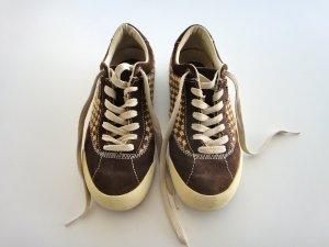 Sneaker / Skaterschuhe der Marke Simple