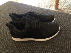Sneaker Stickmuster