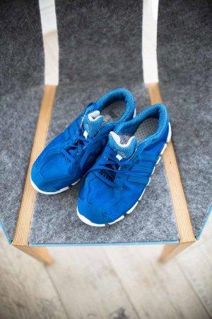 Sneaker/ Turnschuhe/ Adidas Laufschuhe