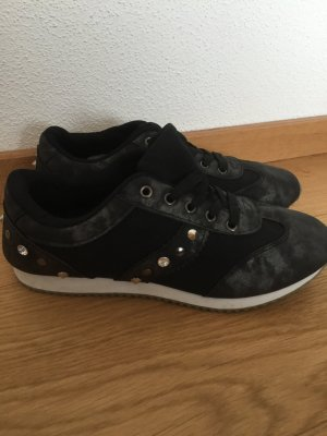 Sneaker Turnschuhe schwarz Silber Nieten Gr 38 neu