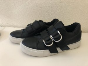 Another A Slip-on Sneakers black-white
