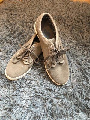 sneaker unterschiedliche Schuhgröße