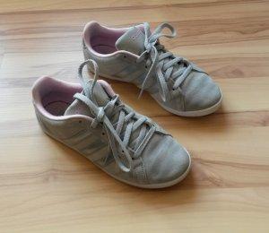 """Sneaker von Adidas Neo, Modell """"Coneo"""" in Gr. 36."""