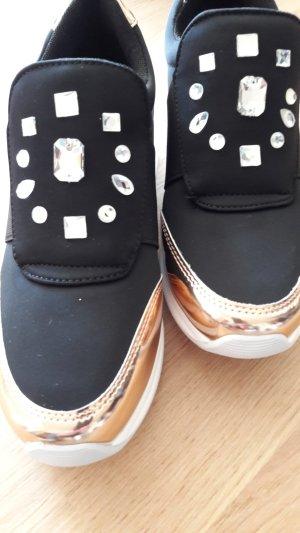 Sneaker von Braccialini, NEU - Textil Schwarz mit Kupfer und Steinapplikationen, Größe 37