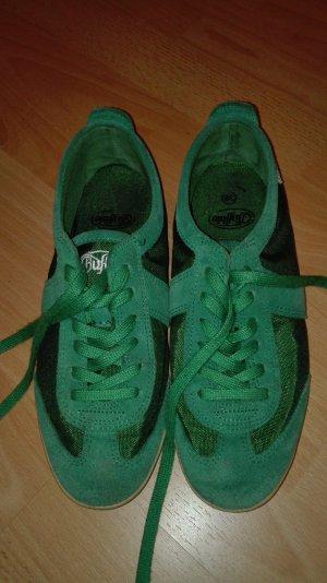 Sneaker von Buffalo in einem giftigen Grün
