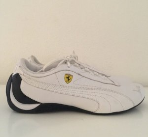 Sneaker von Ferrari/ Puma