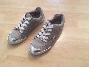 Sneaker von Guess in Silber weiß