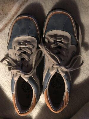 Sneaker von Mustang - Gr. 40 blau/beige - sehr guter Zustand