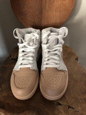 Nike Sneaker crema-beige