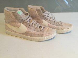 Sneaker von Nike beige