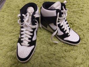 Nike Basket blanc-noir