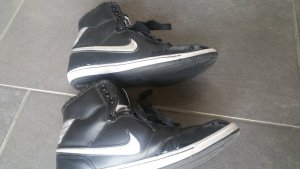 Nike Sneakers silver-colored-black