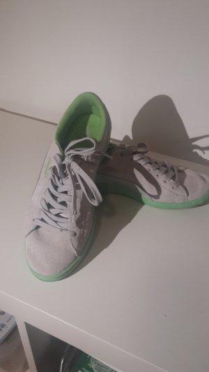 Sneaker von Puma.....